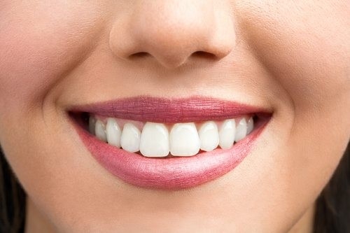 7 Effective Tips on How to Keep Your Teeth and Gums Healthy